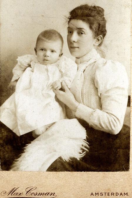 160 let pošty v Křelovicích u Pelhřimova VI. - Paní poštmistrová Marie Halamková