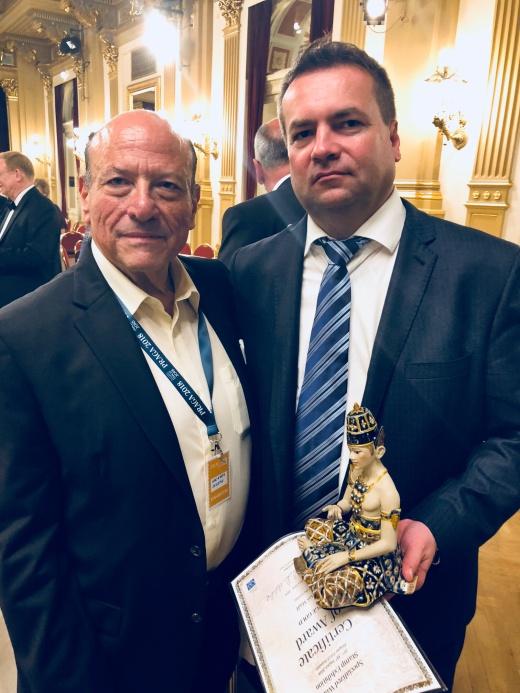 Rozhovor s JUDr. Tomášem Mádlem o filatelii a vystavování