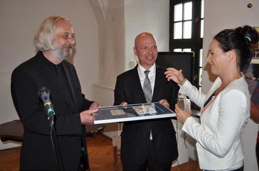 Trnava uviedla do života novú známku podomového kníhkupca Mateja Hrebendu