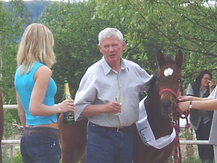 Zpravodaj 3/2004: Český ráj je také rájem koní