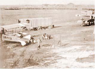 Obrázky z dějin poštovnictví XVI. – Balónem a  vzducholodí za adresátem